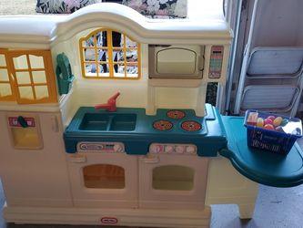 Vintage Little Tykes Kitchen Like New!!! for Sale in Sterling,  VA