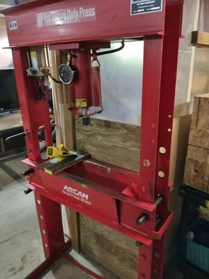Arcan Shop Press Model CP400 for Sale in Hackensack, MN
