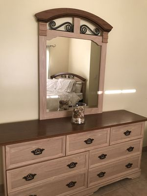 Bedroom set (Queen) for Sale in North Miami Beach, FL