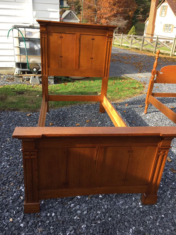 Nice hardwood Mission Style Twin Size Bed,very good condition