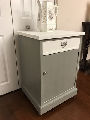 Vintage Solid Wood Storage Cabinet/Accessory Table for Sale in Miami, FL
