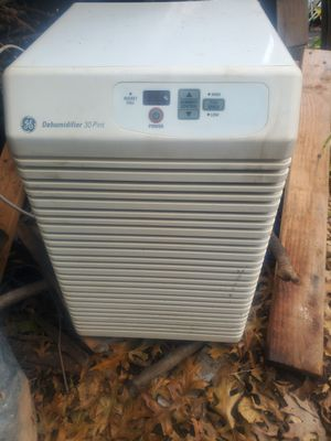 Dehumidifier used Works for Sale in Hopewell Township, NJ