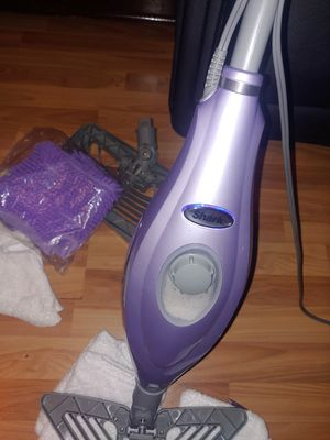 Steam vacuum for Sale in Bell Gardens, CA