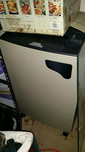 Fellowes commercial shredder for Sale in Leesburg, VA