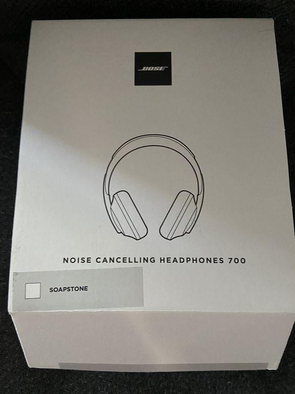 Bose NC 700 white or black