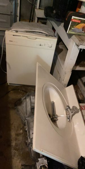 Dishwasher and sink for Sale in San Antonio, TX