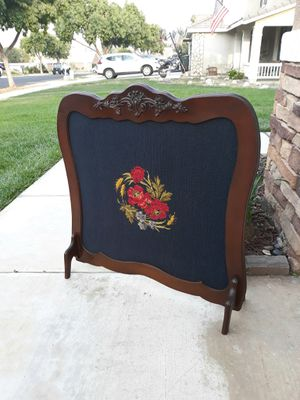 """UNIQUE VINTAGE FIREPLACE SCREEN / SPARK GUARD W/ NEEDLEPOINT FABRIC DESIGN 34""""W × 34""""H for Sale in Corona, CA"""