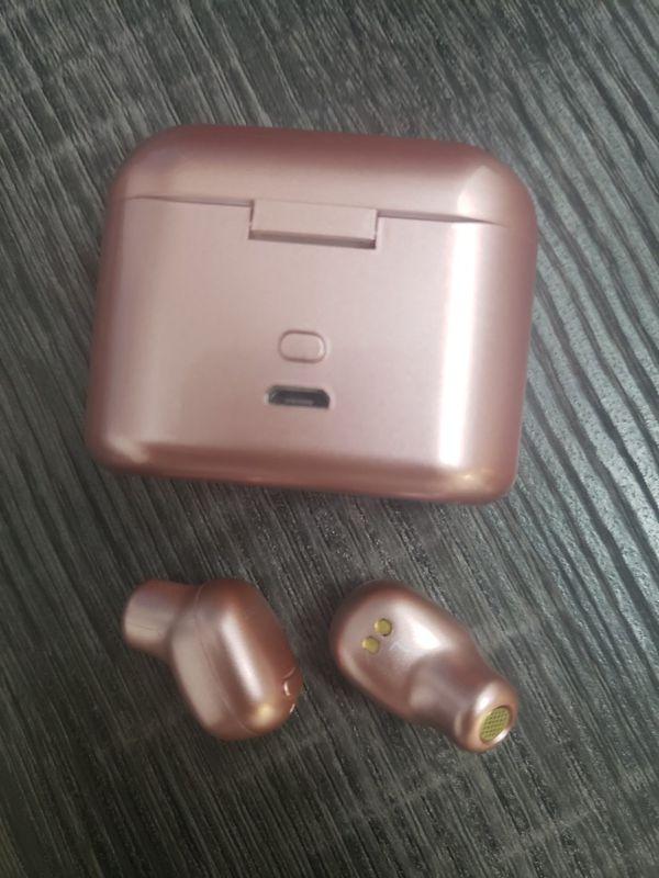 Wireless Earbuds BRAND NEW