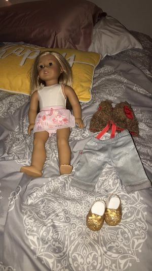 american girl doll, isabelle for Sale in Lake Stevens, WA