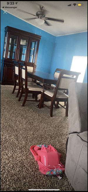 Table and chairs for Sale in Haines City, FL