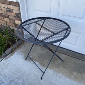 VINTAGE PATIO TABLE ONLY for Sale in Corona, CA