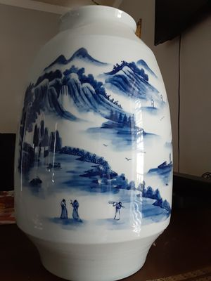 Large Chinese Vase for Sale in Dallas, TX