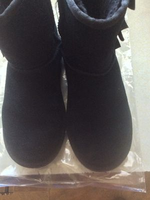 UGG Boots Girls Size 3 for Sale in Silver Spring, MD