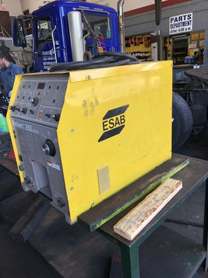 ESAB 252 stick tig welder 800 OBO for Sale in Cuyahoga Falls, OH