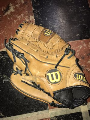 Wilson A700 Left-Handed Pitcher's Glove for Sale in Wyndmoor, PA
