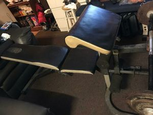 WEIGHT CURL BENCH GOLD GYM for Sale in Los Angeles, CA