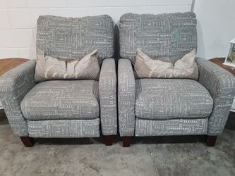 2 Sofas Reclinables for Sale in Clermont,  FL