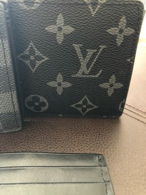 Men's supreee black wallet for Sale in Fresno, CA