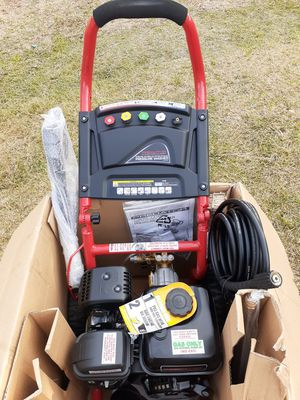 PREDATOR OUT DOOR POWER 3,100 PSL,2,8 GPM. 65 HP GAS pawored PRESSURE WASHER. for Sale in San Antonio, TX