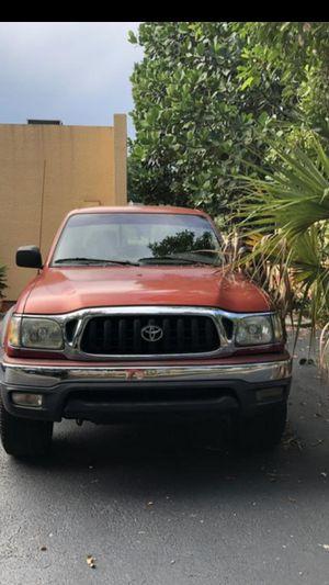 Toyota Tacoma preruner 2001 for Sale in Miami, FL