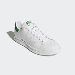 Adidas Stan smiths women's size 8 for Sale in Dearborn, MI