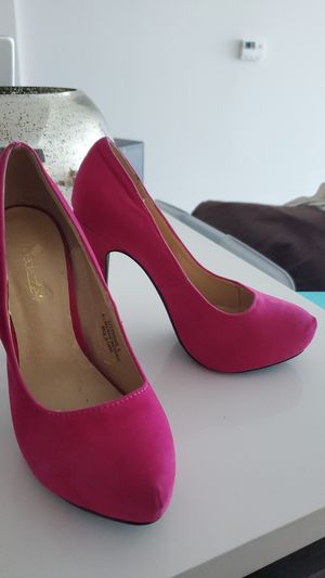 Shoedazzle Magenta Pink Suede Heels Size 7 for Sale in Miami, FL