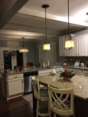 Kitchen pendant lights for Sale in Charlotte, NC