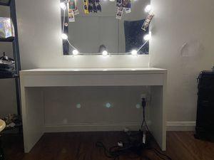 Vanity desk for Sale in Claremont, CA