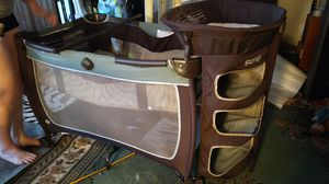 Safety 1st convertible play ad bassinet changing table storage for Sale in Tacoma, WA