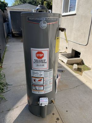 Water heater (Pick up only) for Sale in Los Angeles, CA