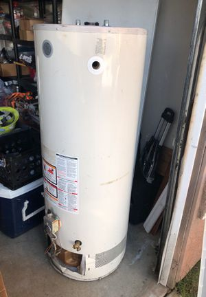 Water heater for Sale in Moreno Valley, CA