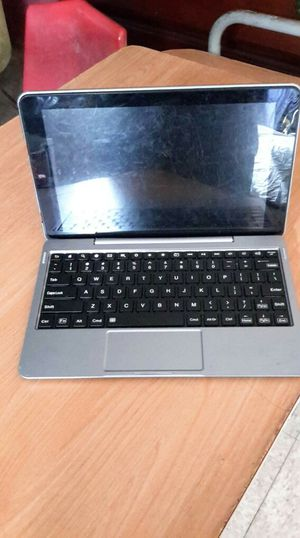 IPad tablet with a keyboard for Sale in San Benito, TX