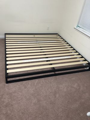 Zinus 7 Inch king mattress frame heavy duty for Sale in Scott Depot, WV