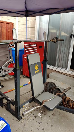 Apex bench press with olympic weights and bars. 315lb for Sale in Castro Valley, CA