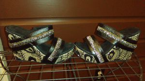Sz 7 black & gold ladies wedges for Sale in Lake Charles, LA