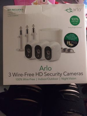 ARLO HOME SECURITY SYSTEM 3 CAMS NEW for Sale in Mesa, AZ