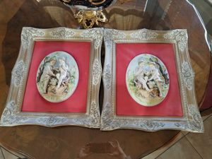 Pair of wall capodimonte porcelain decoration with frame for Sale in Miami, FL
