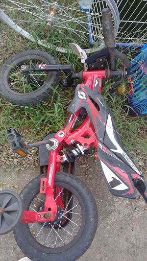 Assorted bikes, make offer for them for Sale in Haughton, LA