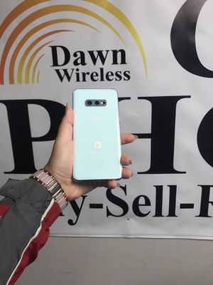 Samsung Galaxy s10e UNLOCKED FOR ALL CARRIERS for Sale in Dallas, TX
