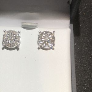 Diamond 💎 Stud Earrings for Sale in South Pasadena, CA