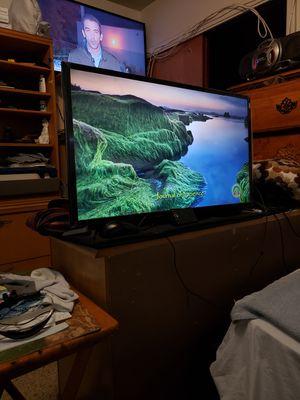"""Zeiki Smat TV 32"""" inch.. Roku for Sale in Miami, FL"""