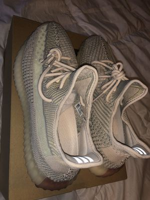 Yeezy 350 Citrin DS (10.5) for Sale in Mesquite, TX