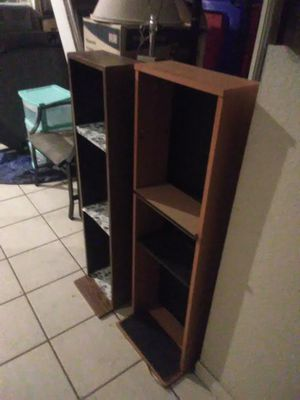 2 small shelfs for Sale in Cathedral City, CA