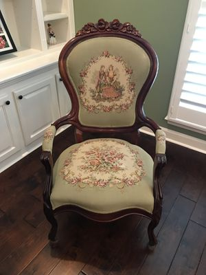 Antique chair for Sale in Jonesboro, AR