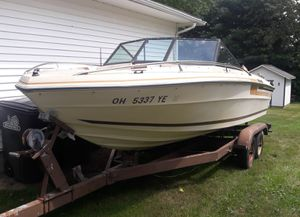 Regal 19.5 Medallion Boat and Trailer for Sale in Strongsville, OH