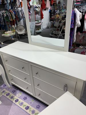 Super cute, chic White dressed w/ mirror & Silver Hardware for Sale in Atlanta, GA