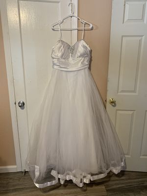 New wedding dress for Sale in Stockton, CA
