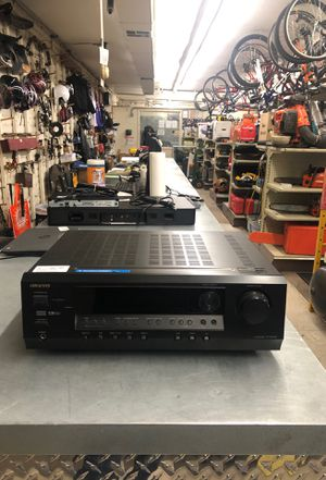 Onkyo TX-SR304 5.1 Channel Digital AM/FM Home Theater Receiver for Sale in Phoenix, AZ
