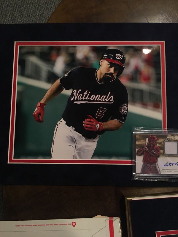 Anthony Rendon matted photo with Topps certified autographed card