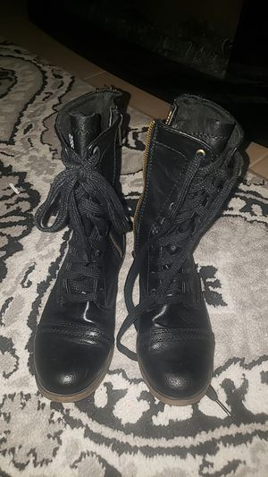 Size 5 1/2 women black boots for Sale in Kissimmee, FL